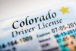 How check the drivers license status? Can you do it online?